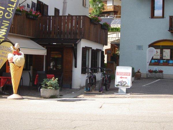 Foto esterno in estate Residenza Domino