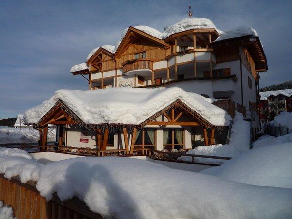 Foto invernale di presentazione Hotel Ambiez