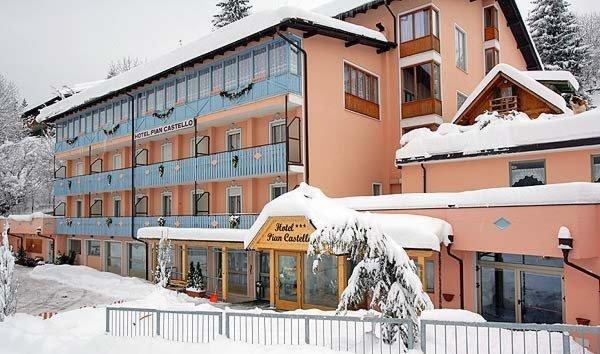 Foto esterno in inverno Pian Castello