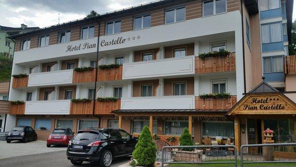 Photo exteriors in summer Pian Castello