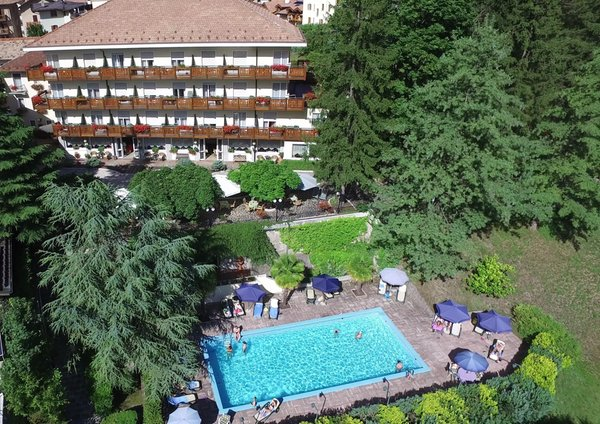 Foto estiva di presentazione Miralago - Hotel 3 stelle
