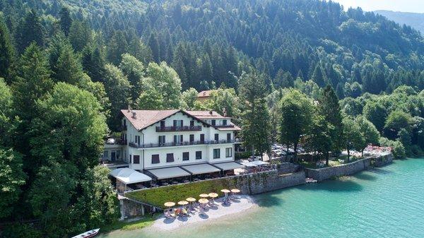 Foto esterno in estate Lago Park Hotel