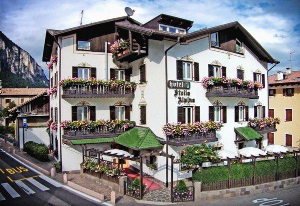 Foto estiva di presentazione Hotel Stella Alpina