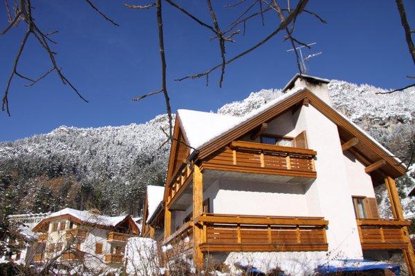 Foto invernale di presentazione Casa Bellavista - Appartamenti 4 genziane