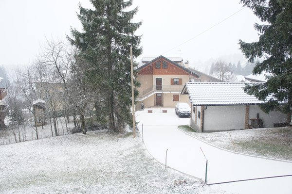 Foto invernale di presentazione Appartamenti Casa Adamello