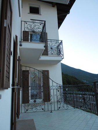 Foto estiva di presentazione La Contessa - Appartamenti 3 genziane