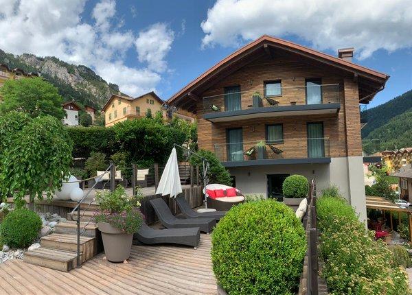 Photo exteriors in summer Alpotel Dolomiten