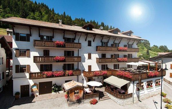 Foto estiva di presentazione Due Spade - Hotel 3 stelle