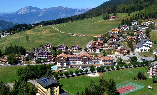 La posizione Alpen Hotel Eghel Costa (Folgaria)