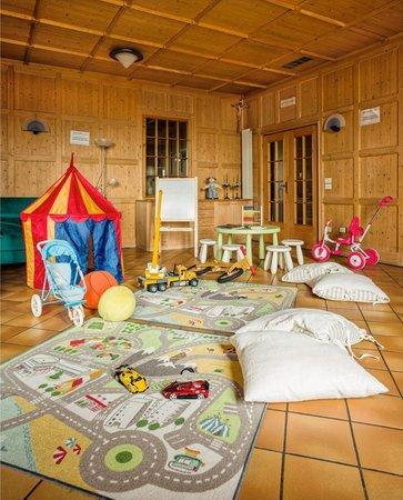 La sala giochi Antico Albergo Stella d'Italia