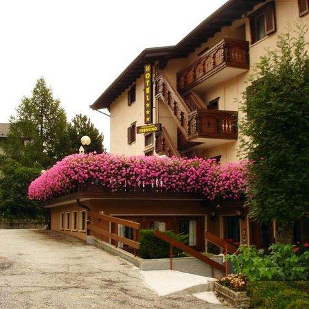 Foto esterno in estate Trentino