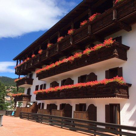 Foto esterno in estate Park Hotel Miramonti