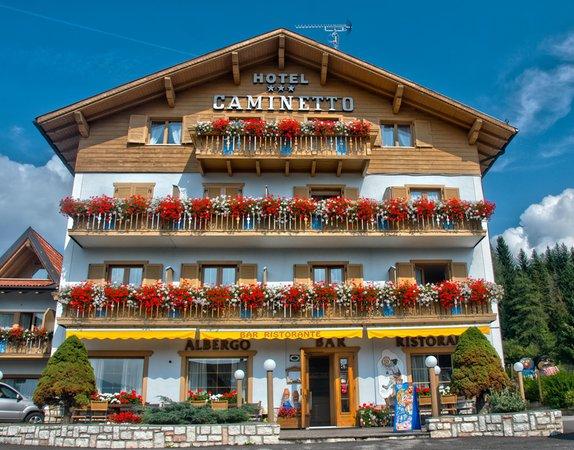 Foto estiva di presentazione Caminetto Mountain Resort