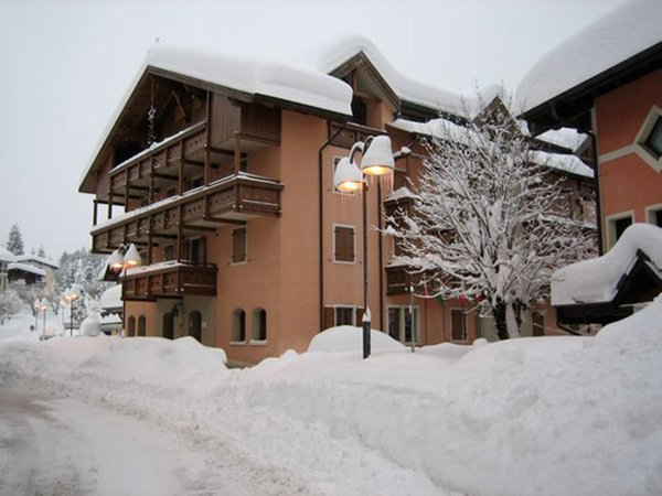 Foto invernale di presentazione Serrada - Residence 3 stelle