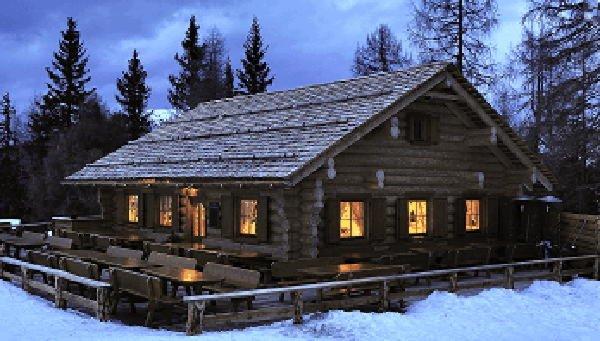 Foto invernale di presentazione Rifugio Ücia Picio Pré