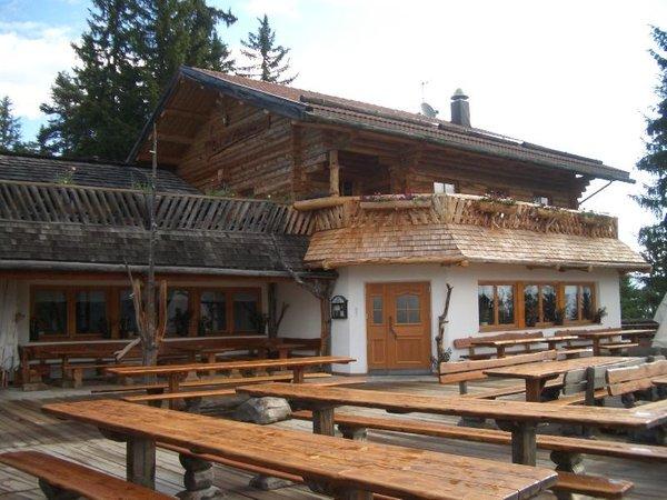 Foto esterno in estate Ütia Col dl' Ancona