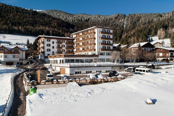 Foto esterno in inverno Grand Hotel Biancaneve