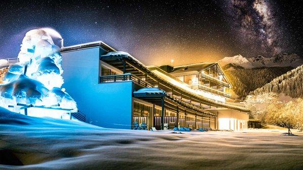 Foto invernale di presentazione La Casies - Mountain Living Hotel - Hotel 4 stelle