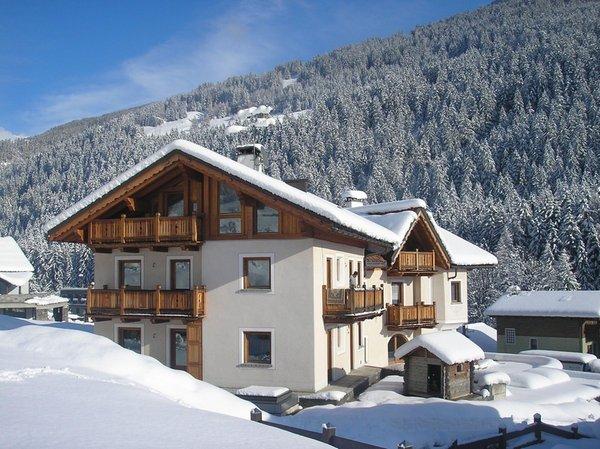 Winter Präsentationsbild B&B + Ferienwohnungen Chalet La Rugiada
