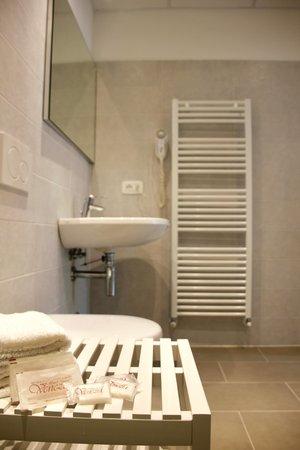 Photo of the bathroom B&B (Garni)-Hotel Venezia