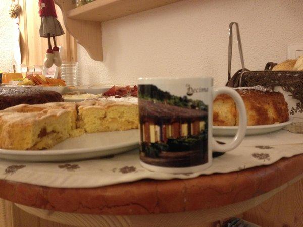 The breakfast La Decima - Rooms + Apartments in farmhouse 3 flowers