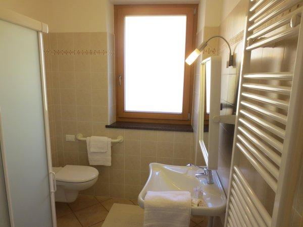 Foto del bagno Camere + Appartamenti in agriturismo Clementi