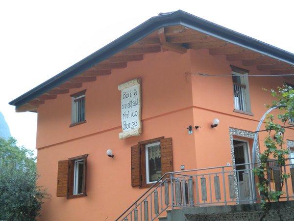Foto estiva di presentazione Antico Borgo - Bed & Breakfast