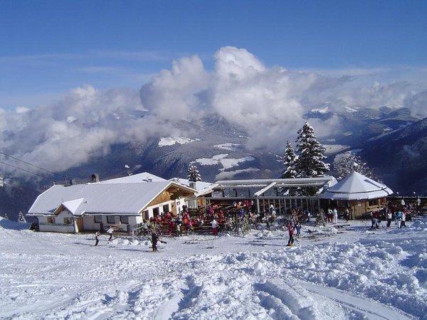 Foto invernale di presentazione Rifugio Lorenzi