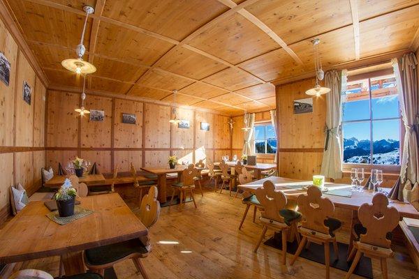 The restaurant Alpe di Siusi / Seiser Alm Tschötsch Alm