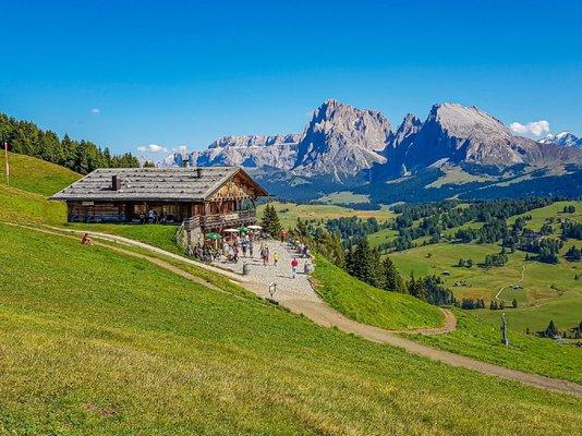 Sommer Präsentationsbild Hütte Tschötsch Alm