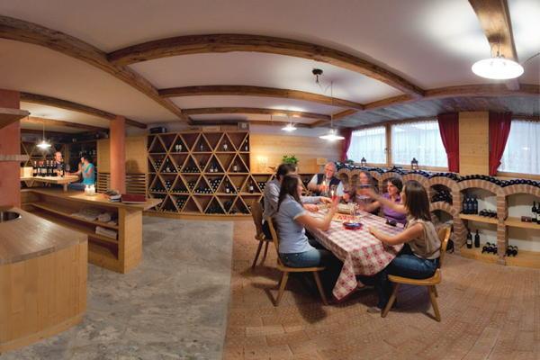 La cantina dei vini Badia - San Leonardo Cavallino