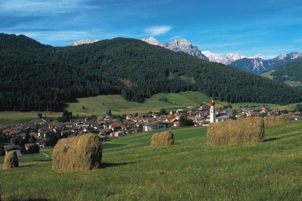 Foto estiva di presentazione Villabassa - Associazione turistica