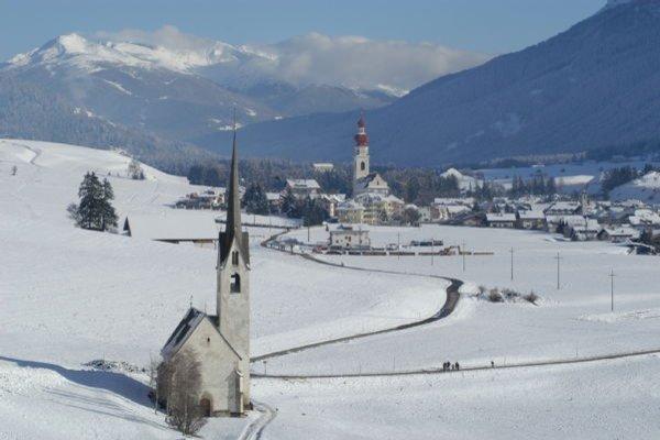Foto invernale di presentazione Villabassa - Associazione turistica