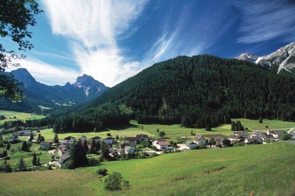 Foto estiva di presentazione Valle di Braies - Associazione turistica