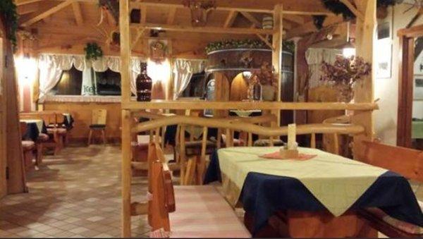 Das Restaurant Fai della Paganella Keller