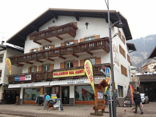 Foto invernale di presentazione Ladin Sport - Noleggio e ski service