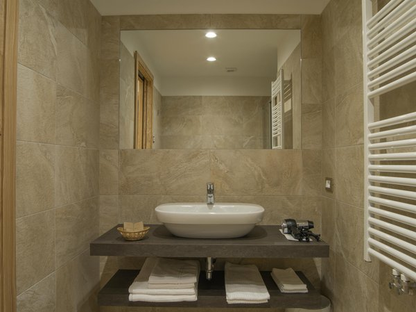 Photo of the bathroom B&B (Garni)-Hotel Caminetto