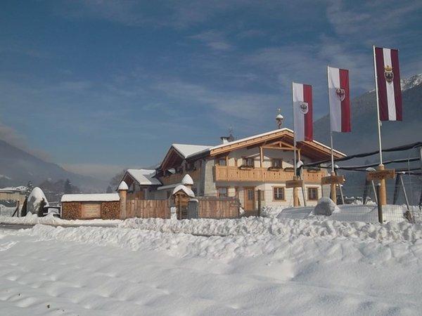 Foto esterno in inverno Maso Grisun
