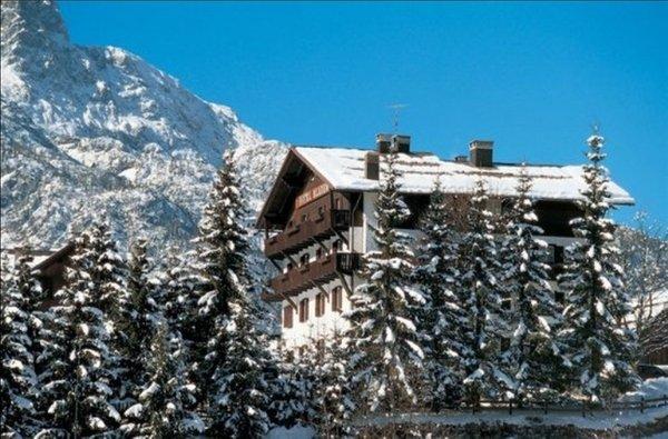 Photo exteriors in winter Wellness Hotel Bladen