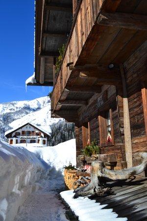 Foto esterno in inverno Voltan Haus