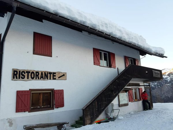 Foto esterno in inverno Monte Siera