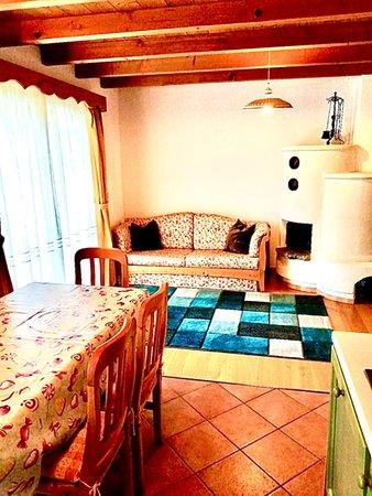 Der Wohnraum Ferienwohnungen Fontana Marta e Serena