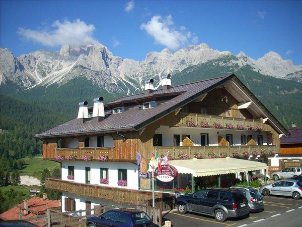 Sommer Präsentationsbild Hotel Meublé Dolomiti