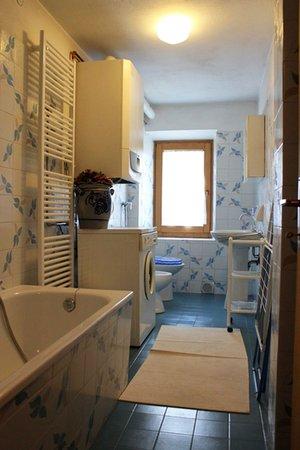 Foto vom Bad Ferienwohnungen Ribul Moro Carmen