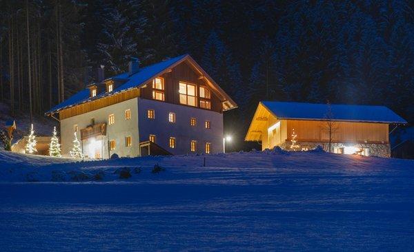Foto Außenansicht im Winter Silentium Dolomites Chalet