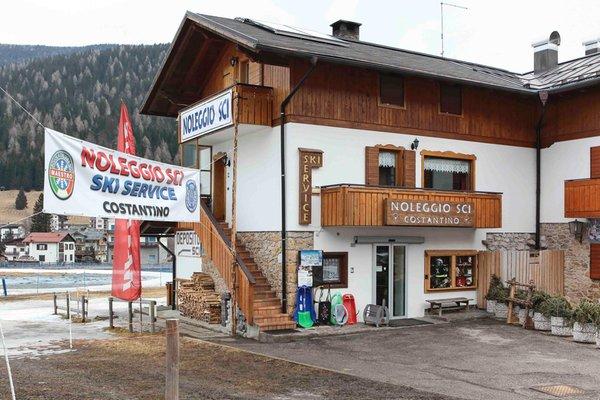 Photo exteriors Ski rental Costantino