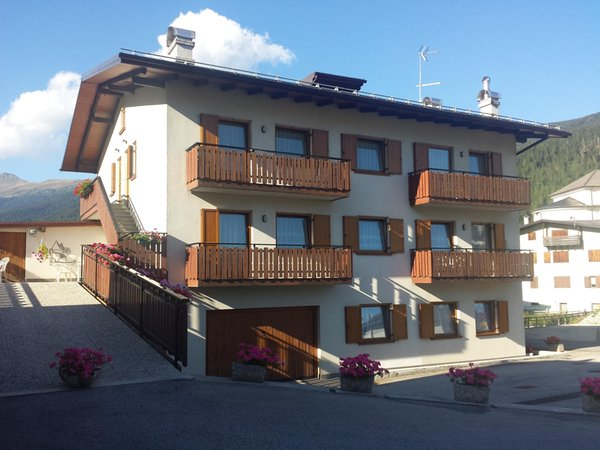 Foto Außenansicht im Sommer Ferienwohnungen in den Dolomiten im Val Comelico
