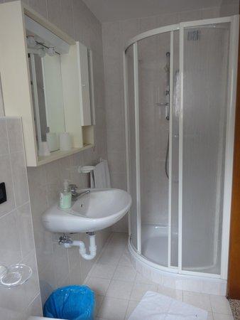 Photo of the bathroom Hotel Genzianella