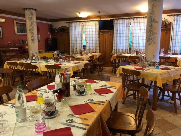 The restaurant Presenaio Genzianella