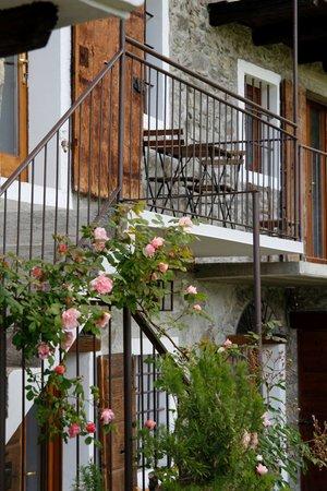 Foto esterno in estate Il Dosso - Maroggia